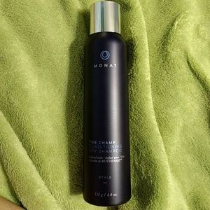 Monat The Champ Conditioning Dry Shampoo